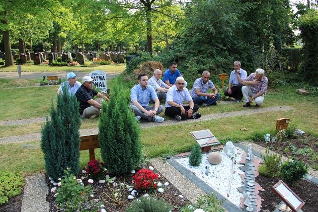 Mezarlik ziyareti 1  - Kopie