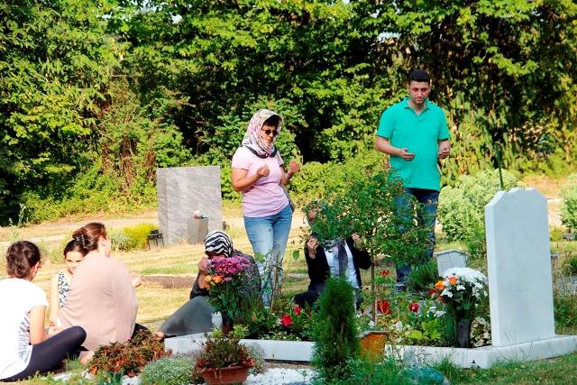 Mezarlik ziyareti 4 - Kopie