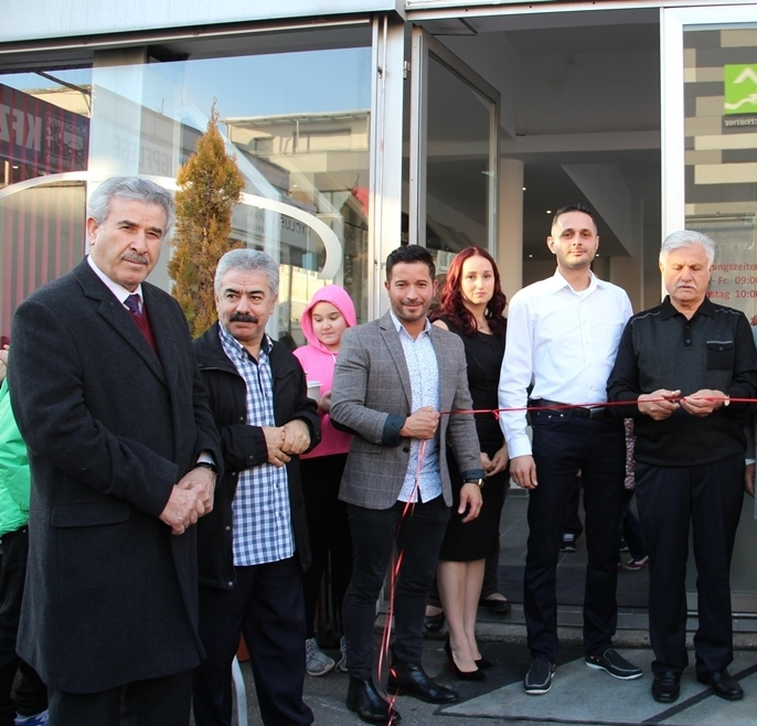 EXCLUSİV CLEAN OTO KUAFÖR AÇILDI: Pforzheim, Mühlacker, Bretten, Bruchsal, Karlsruhe, Rastatt, Gaggenau bölgelerinde Türkçe haber yapan tek haber sitesi