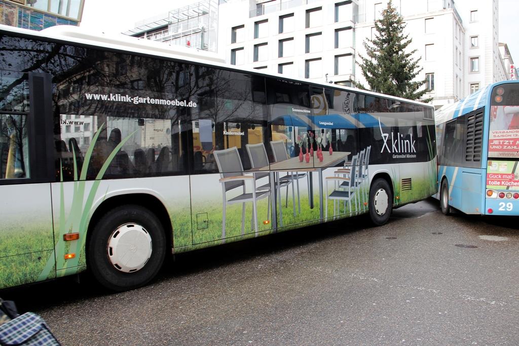 Otobüs Kazası Leopoldplatz'da trafik kaosu yaşatı: Pforzheim Haber