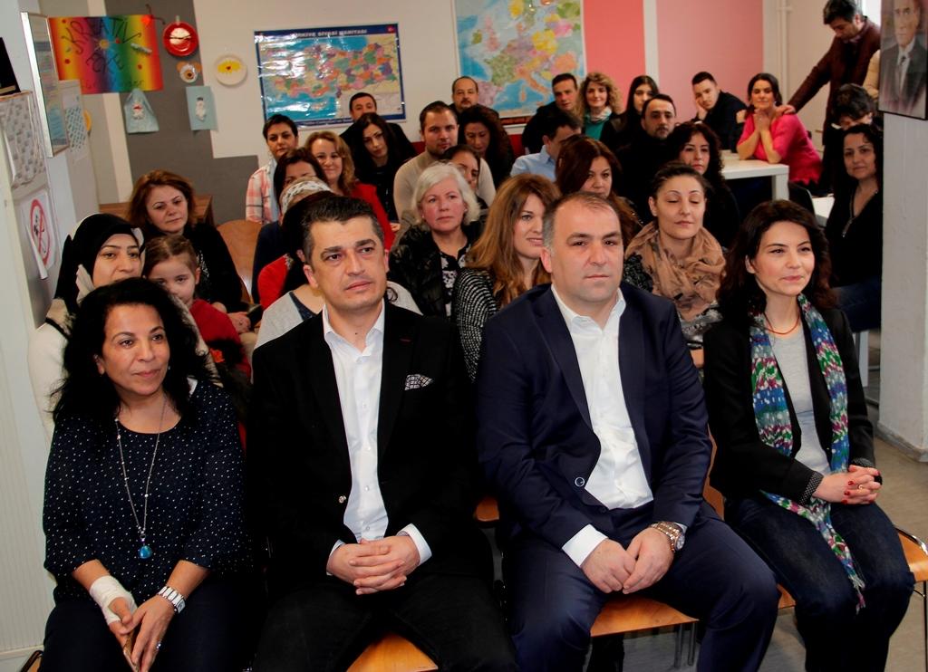 Daha Aktif Siyasetin içinde Olmalısınız: Pforzheim, Mühlacker, Bretten, Bruchsal, Karlsruhe, Rastatt, Gaggenau bölgelerinde Türkçe haber yapan tek haber sitesi