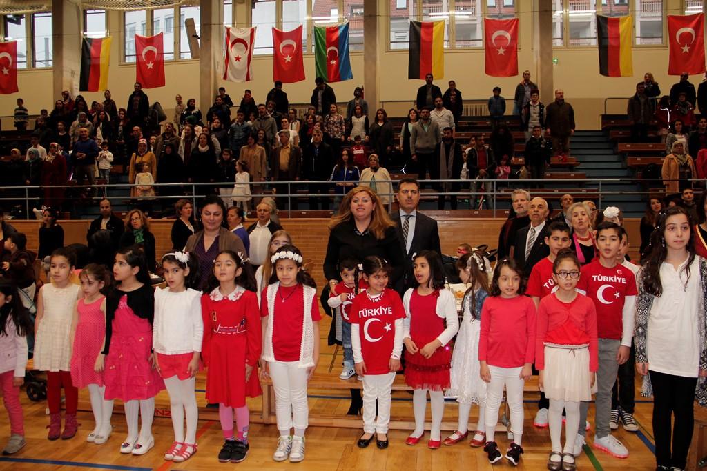 23 Nisan Çocuk Bayramı Kutlu Olsun: Pforzheim, Mühlacker, Bretten, Bruchsal, Karlsruhe, Rastatt, Gaggenau bölgelerinde Türkçe haber yapan tek haber sitesi