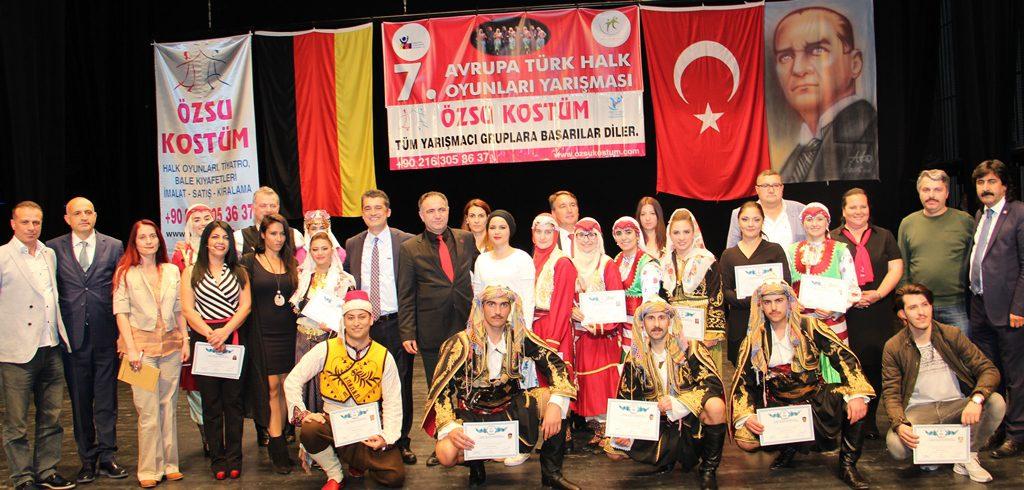 7. Avrupa Halk Oyunlarının Birincisi Dizem Sanat: Pforzheim, Mühlacker, Bretten, Bruchsal, Karlsruhe, Rastatt, Gaggenau bölgelerinde Türkçe haber yapan tek haber sitesi