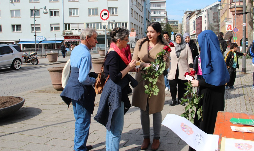 ŞEHRİN KALBİNDE KERMES: Pforzheim, Mühlacker, Bretten, Bruchsal, Karlsruhe, Rastatt, Gaggenau bölgelerinde Türkçe haber yapan tek haber sitesi