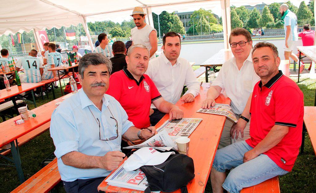 İLK TURNUVA İLK ŞAMPİYON:Pforzheim, Mühlacker, Bretten, Bruchsal, Karlsruhe, Rastatt, Gaggenau bölgelerinde Türkçe haber yapan tek haber sitesi
