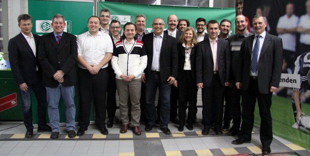 TÜRK HAKEME YILIN HAKEMİ ÖDÜLÜ: Pforzheim, Mühlacker, Bretten, Bruchsal, Karlsruhe, Rastatt, Gaggenau bölgelerinde Türkçe haber yapan tek haber sitesi