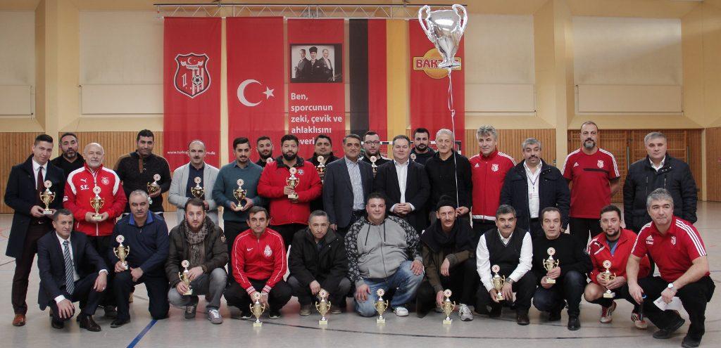 Atatürk Kupası'nı KSC Schwetzingen Aldı: Pforzheim, Mühlacker, Bretten, Bruchsal, Karlsruhe, Rastatt, Gaggenau bölgelerinde Türkçe haber yapan tek haber sitesi