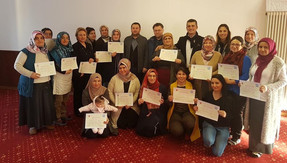 Seminer ve Aile Eğitim Programlarımız Devam ediyor:Pforzheim, Mühlacker, Bretten, Bruchsal, Karlsruhe, Rastatt, Gaggenau bölgelerinde Türkçe haber yapan tek haber sitesi