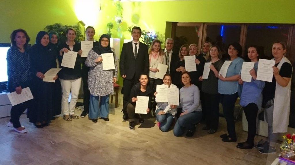 Aile Eğitim Semineri Devam Ediyor: Pforzheim, Mühlacker, Bretten, Bruchsal, Karlsruhe, Rastatt, Gaggenau bölgelerinde Türkçe haber yapan tek haber sitesi
