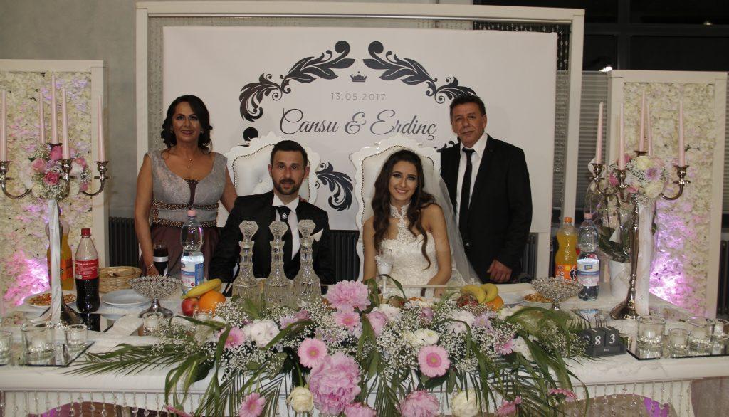 Yılın Düğünü: Pforzheim, Mühlacker, Bretten, Bruchsal, Karlsruhe, Rastatt, Gaggenau bölgelerinde Türkçe haber yapan tek haber sitesi