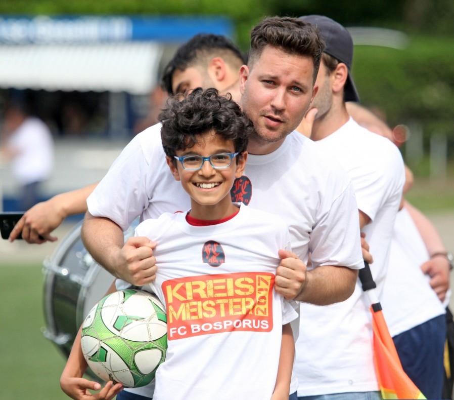FC Bosporus Şampiyon: Pforzheim, Mühlacker, Bretten, Bruchsal, Karlsruhe, Rastatt, Gaggenau bölgelerinde Türkçe haber yapan tek haber sitesi