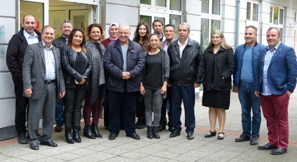 Eğitim gönüllerine seminer verildi: Pforzheim, Mühlacker, Bretten, Bruchsal, Karlsruhe, Rastatt, Gaggenau bölgelerinde Türkçe haber yapan tek haber sitesi
