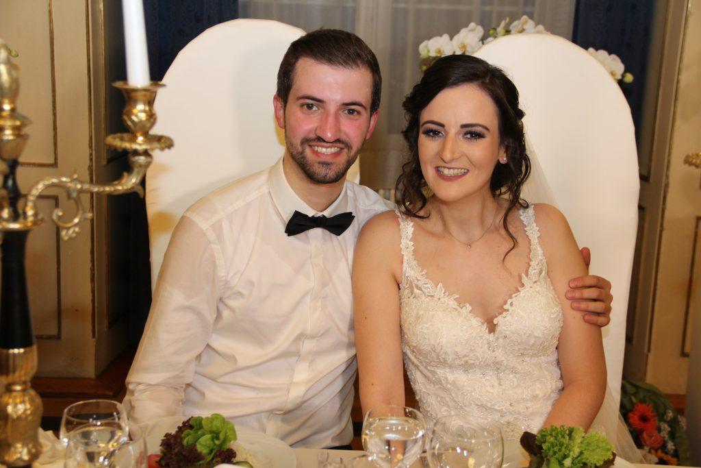 Görkemli bir düğün ile dünya evine girdiler:Pforzheim, Mühlacker, Bretten, Bruchsal, Karlsruhe, Rastatt, Gaggenau bölgelerinde Türkçe haber yapan tek haber sitesi