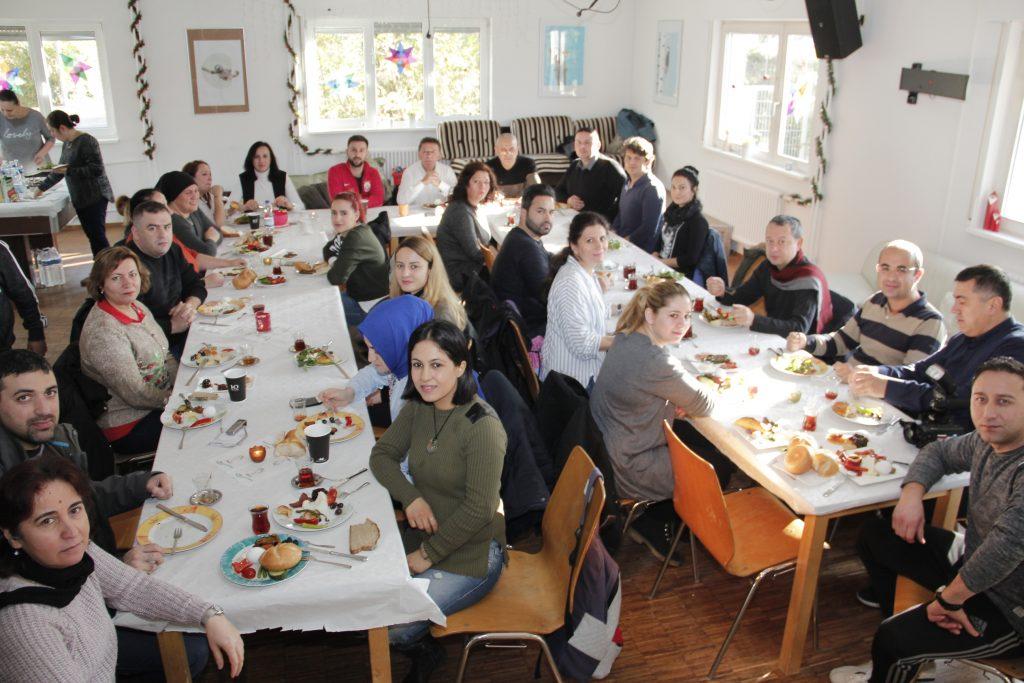 Öğretmenlere Kahvaltıda buluştu: Pforzheim, Mühlacker, Bretten, Bruchsal, Karlsruhe, Rastatt, Gaggenau bölgelerinde Türkçe haber yapan tek haber sitesi