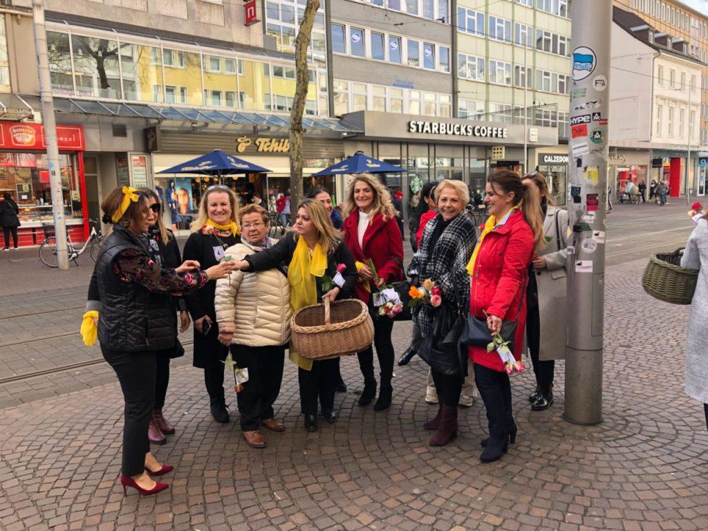 Kadınlar Gül dağıtı:Pforzheim, Mühlacker, Bretten, Bruchsal, Karlsruhe, Rastatt, Gaggenau bölgelerinde Türkçe haber yapan tek haber sitesi