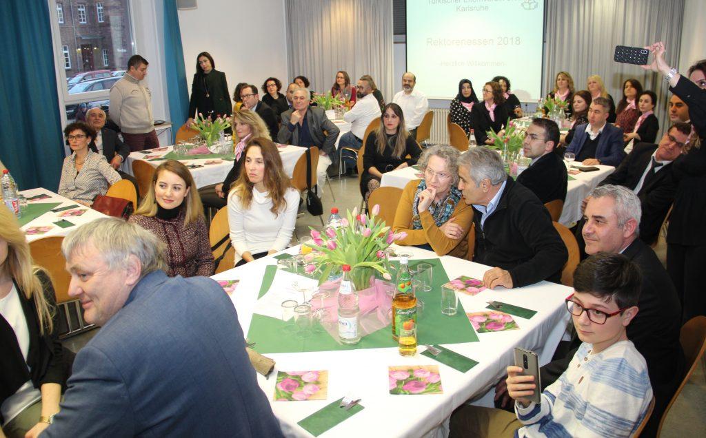 Eğitimciler yemekte buluştu:Pforzheim, Mühlacker, Bretten, Bruchsal, Karlsruhe, Rastatt, Gaggenau bölgelerinde Türkçe haber yapan tek haber sitesi