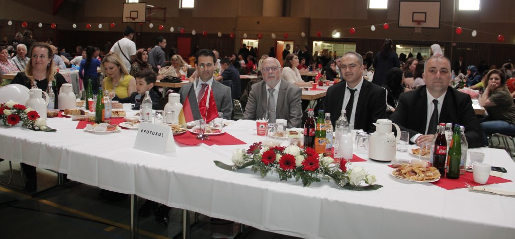 Bayram çoşkusu:Pforzheim, Mühlacker, Bretten, Bruchsal, Karlsruhe, Rastatt, Gaggenau bölgelerinde Türkçe haber yapan tek haber sitesi