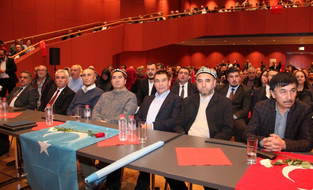 Ülkücü Camiya Karlsruhe'de buluştu:Pforzheim, Mühlacker, Bretten, Bruchsal, Karlsruhe, Rastatt, Gaggenau bölgelerinde Türkçe haber yapan tek haber sitesi