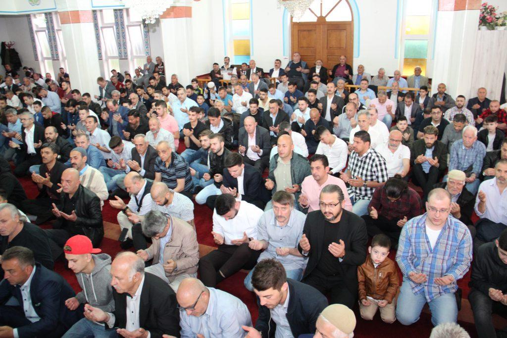 Bayram Namazı Kılındı:Pforzheim, Mühlacker, Bretten, Bruchsal, Karlsruhe, Rastatt, Gaggenau bölgelerinde Türkçe haber yapan tek haber sitesi