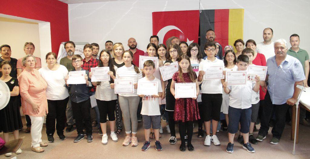 Şiir ve Öykü okuma yarışması düzenlendi:Pforzheim, Mühlacker, Bretten, Bruchsal, Karlsruhe, Rastatt, Gaggenau bölgelerinde Türkçe haber yapan tek haber sitesi