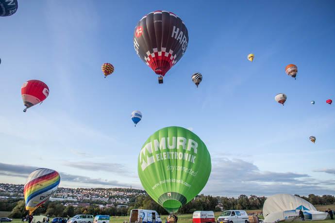 Yüzlerce Renkli Balonunun Gökyüzündeki Şenliği:Pforzheim, Mühlacker, Bretten, Bruchsal, Karlsruhe, Rastatt, Gaggenau bölgelerinde Türkçe haber yapan tek haber sitesi