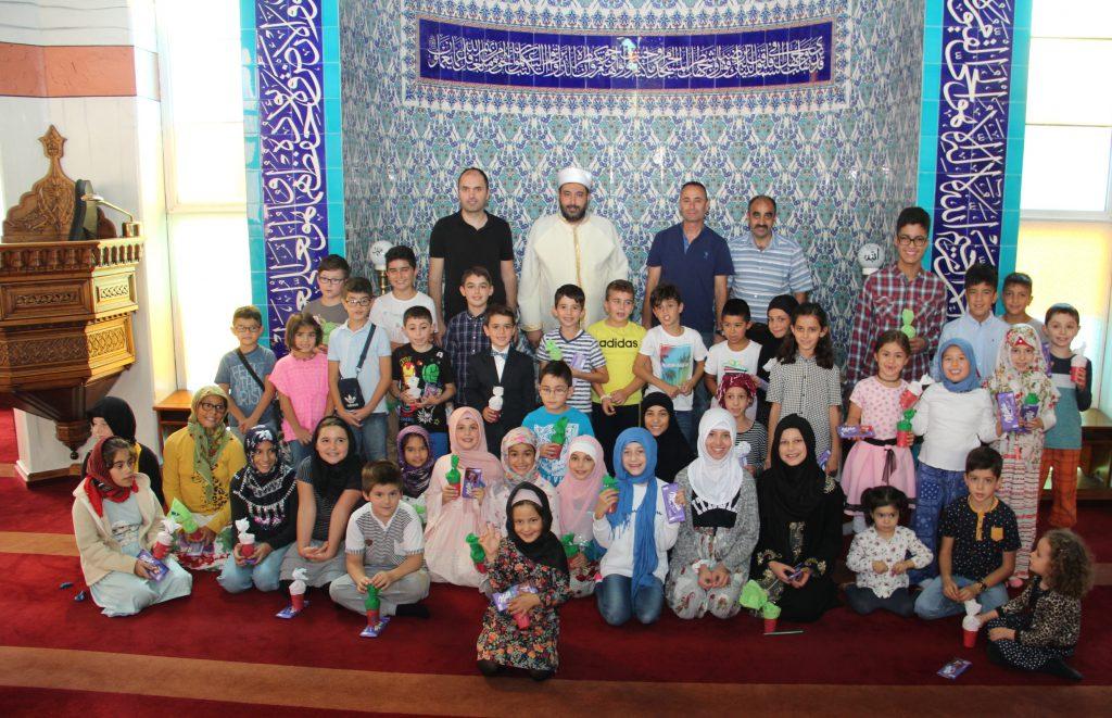 Camide dua ederek okula başladılar:Pforzheim, Mühlacker, Bretten, Bruchsal, Karlsruhe, Rastatt, Gaggenau bölgelerinde Türkçe haber yapan tek haber sitesi