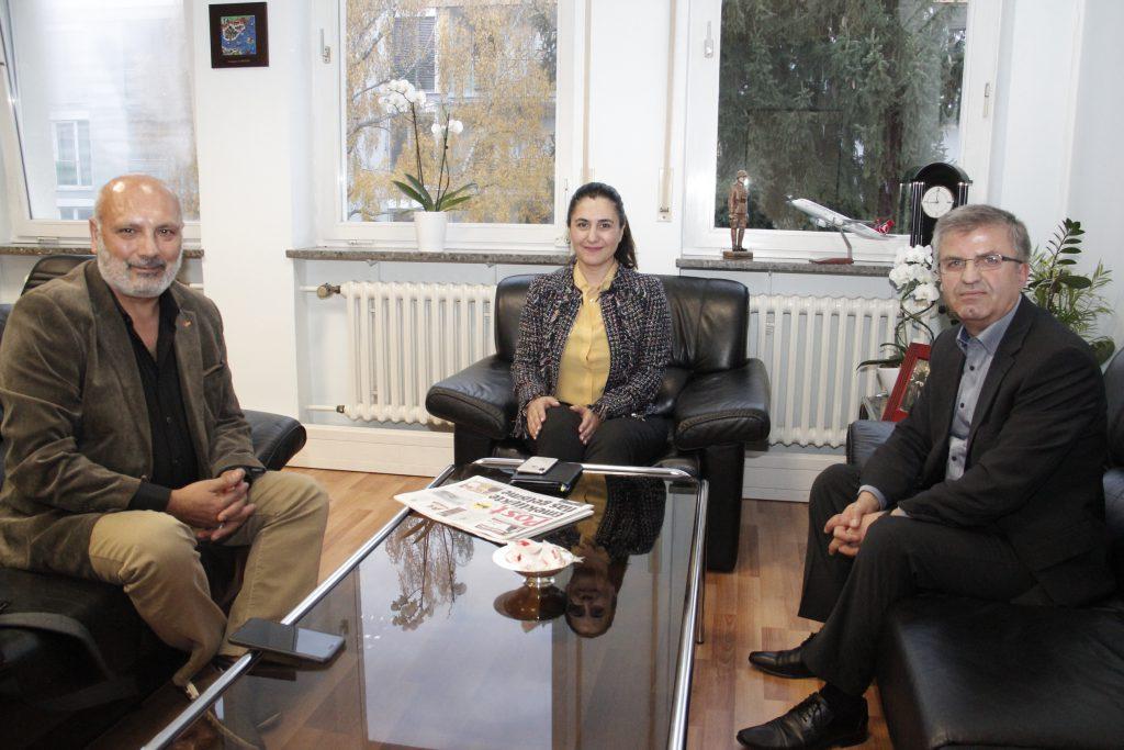 Başkonsolosu ziyaret ettiler:Pforzheim, Mühlacker, Bretten, Bruchsal, Karlsruhe, Rastatt, Gaggenau bölgelerinde Türkçe haber yapan tek haber sitesi