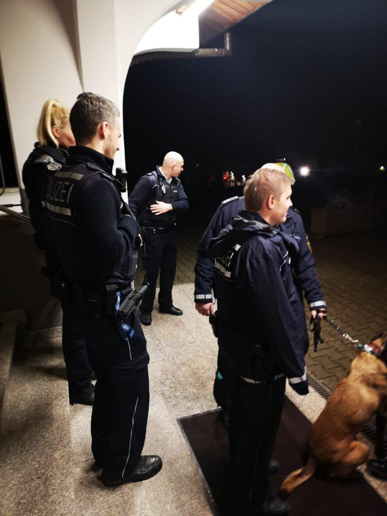 Fatih camiye yeni bomba tehdidi:Pforzheim, Mühlacker, Bretten, Bruchsal, Karlsruhe, Rastatt, Gaggenau bölgelerinde Türkçe haber yapan tek haber sitesi