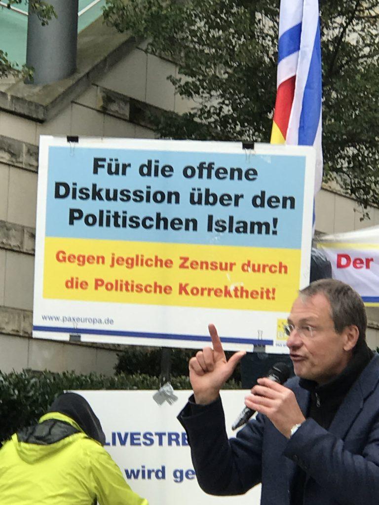 Karanlık zihniyet yine kin kustu:Pforzheim, Mühlacker, Bretten, Bruchsal, Karlsruhe, Rastatt, Gaggenau bölgelerinde Türkçe haber yapan tek haber sitesi