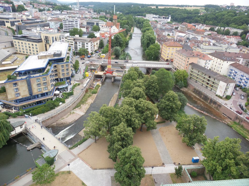Baden-Württemberg'de sokağa çıkma kısıtlaması başladıPforzheim, Mühlacker, Bretten, Bruchsal, Karlsruhe, Rastatt, Gaggenau bölgelerinde Türkçe haber yapan tek haber sitesi