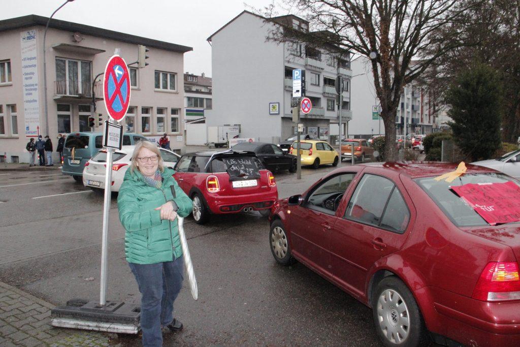 Pforzheim'da koronavirüs kısıtlamaları protesto edildi:Pforzheim, Mühlacker, Bretten, Bruchsal, Karlsruhe, Rastatt, Gaggenau bölgelerinde Türkçe haber yapan tek haber sitesi